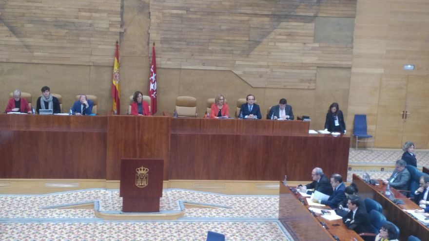 Asamblea de Madrid en la que se acordó suscribir  la 'Declaración de la Palma sobre la Defensa del Cielo Nocturno y el Derecho a la Luz de las Estrellas'.