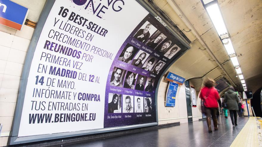 Anuncio del fórum Beingone en el metro de Madrid.