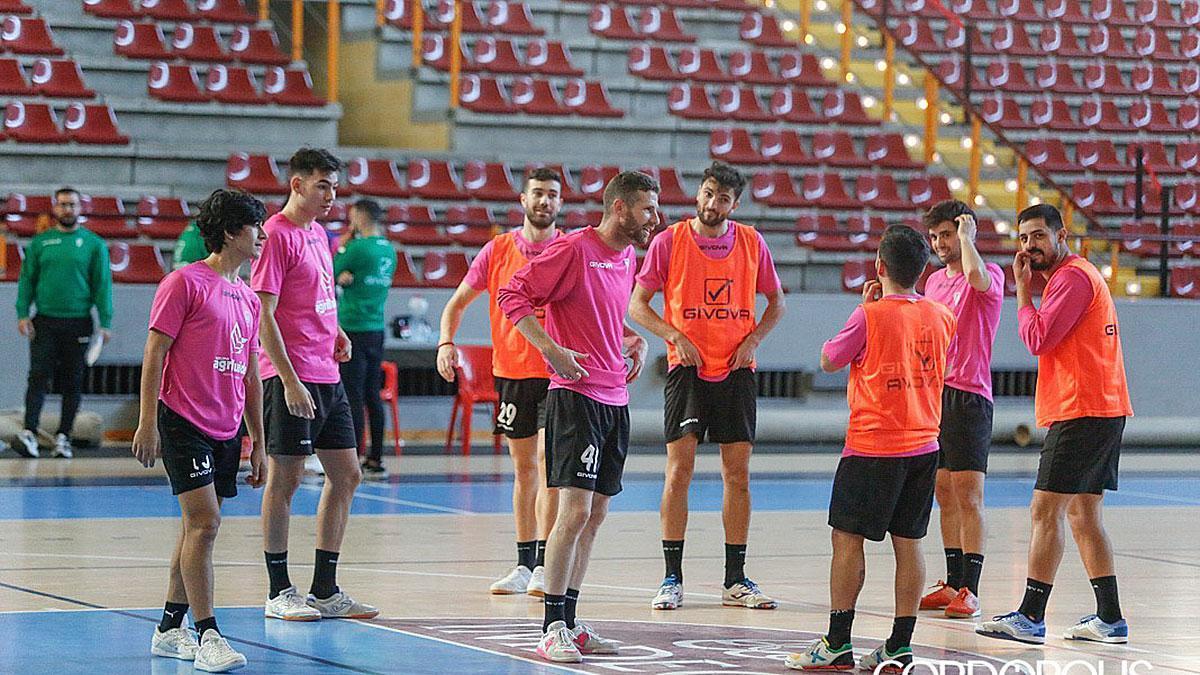 Jugadores del Córdoba Patrimonio en un entrenamiento en Vista Alegre
