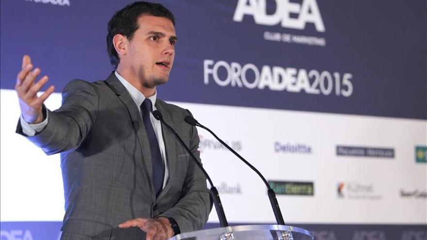 Rivera asegura que se ha celebrado el último debate porque el bipartidismo está en decadencia
