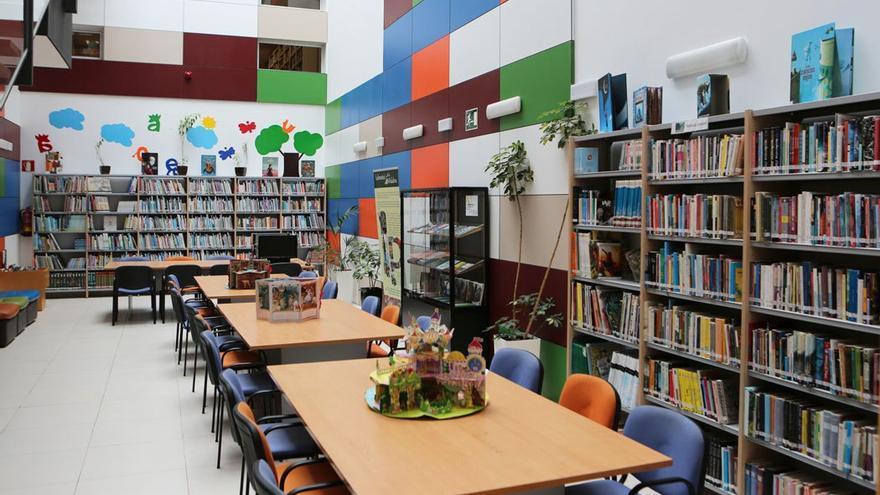 Interior de la biblioteca de Arucas. (Alejandro Ramos)