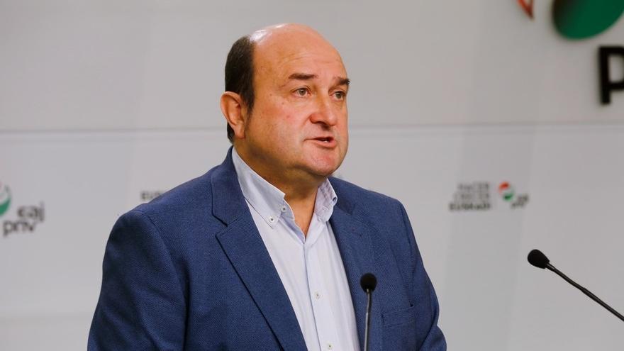 """Ortuzar (PNV) advierte al PP, Cs y Vox: """"Nos van a hacer salir y  movilizarnos"""""""