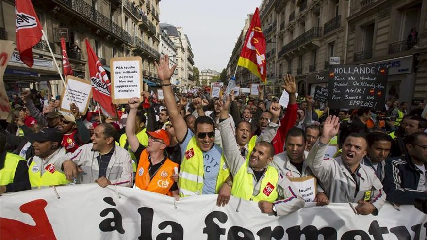 PSA sigue con su plan social en Francia pese a un revés judicial de Faurecia