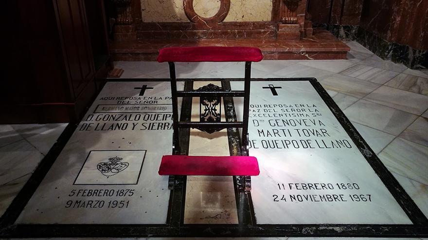 """Tumba del """"genocida"""" Queipo en la Basílica de la Macarena.   JUAN MIGUEL BAQUERO"""