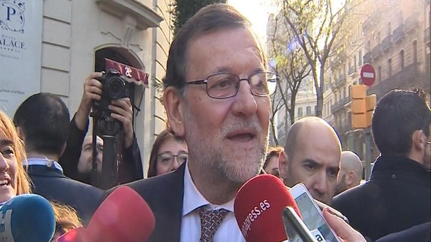 """Rajoy, dispuesto a hablar para resolver """"pronto"""" el """"problema"""" catalán, ofrece discutir el modelo de financiación"""