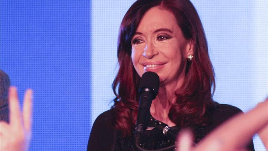 Músicos enviaron discos a la presidenta argentina para su recuperación