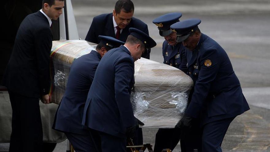 Repatrían los cuerpos de cinco bolivianos muertos en el accidente aéreo en Colombia