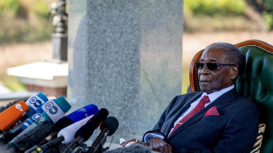 Mugabe permanece ingresado en Singapur desde el pasado mes de abril