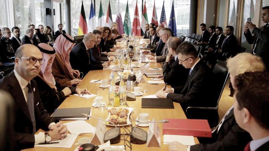 París y Berlín urgen a Rusia a apoyar la negociación sobre Siria en Ginebra