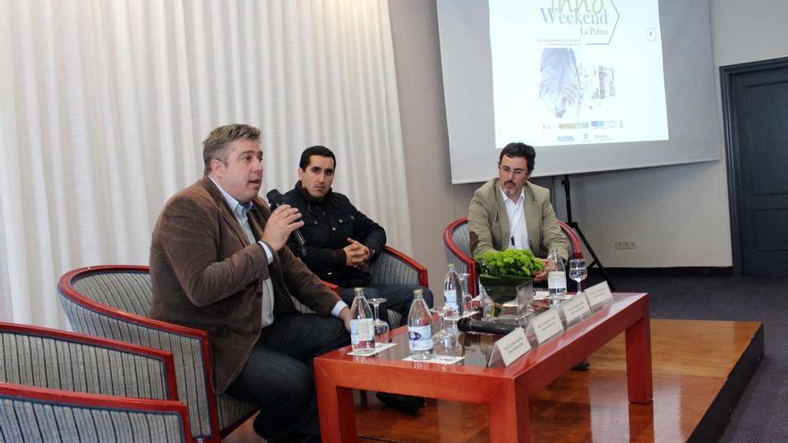 En la imagen, Jorge González (izquierda) en el acto inaugural de 'Innoweekend La Palma'.