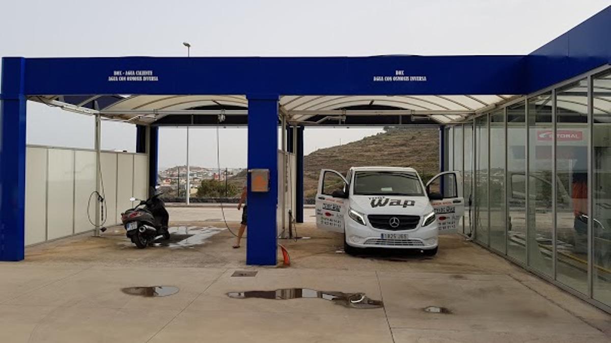 Los detenidos fueron pillados por sorpresa en pleno atraco en la gasolinera de Valle Tabares