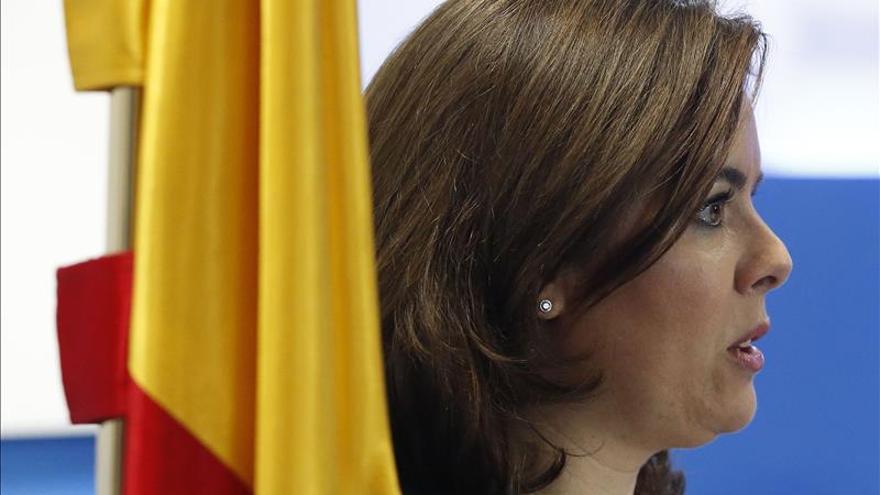 """Sáenz de Santamaría resta importancia a su debate en televisión: """"es uno más"""""""