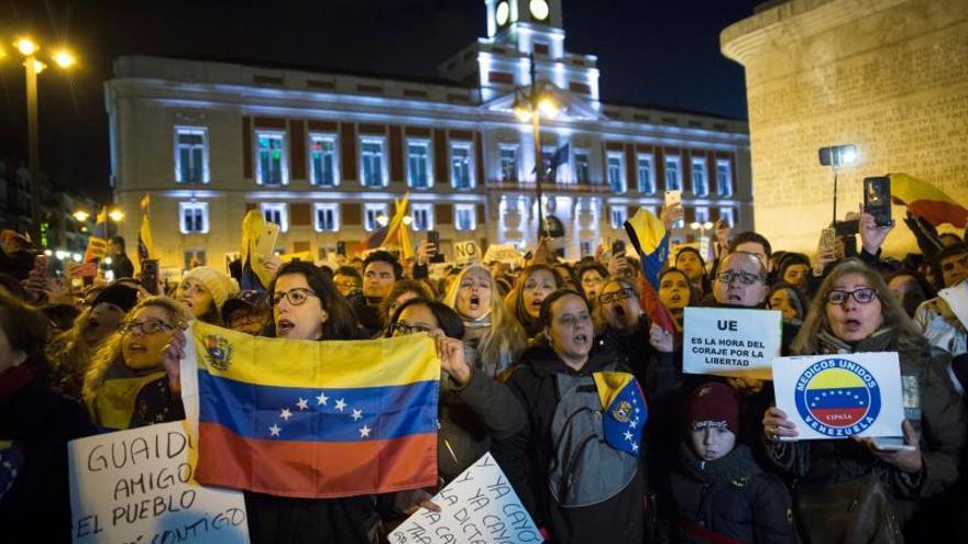 Manifestación de la comunidad venezolana en España en apoyo de Juan Guaidó