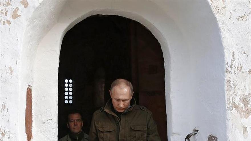 Putin dice que solo ejército sirio cumple la tregua y rebeldes se reagrupan