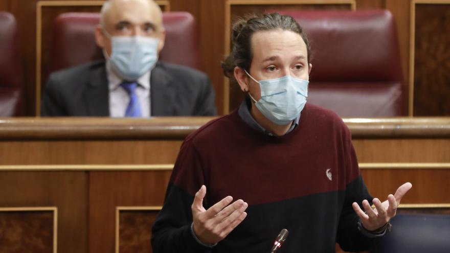 El vicepresidente segundo del Gobierno, Pablo Iglesias, interviene durante una sesión de control al Gobierno en el Congreso de los Diputados.