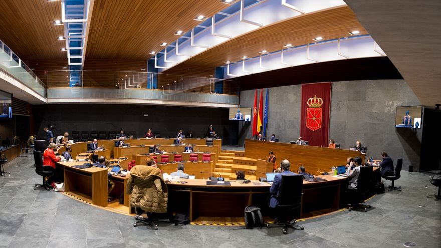 Archivo - Salón de plenos del Parlamento de Navarra
