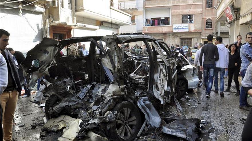 Al menos 865 muertos en 50 días de ataques contra el EI en Siria