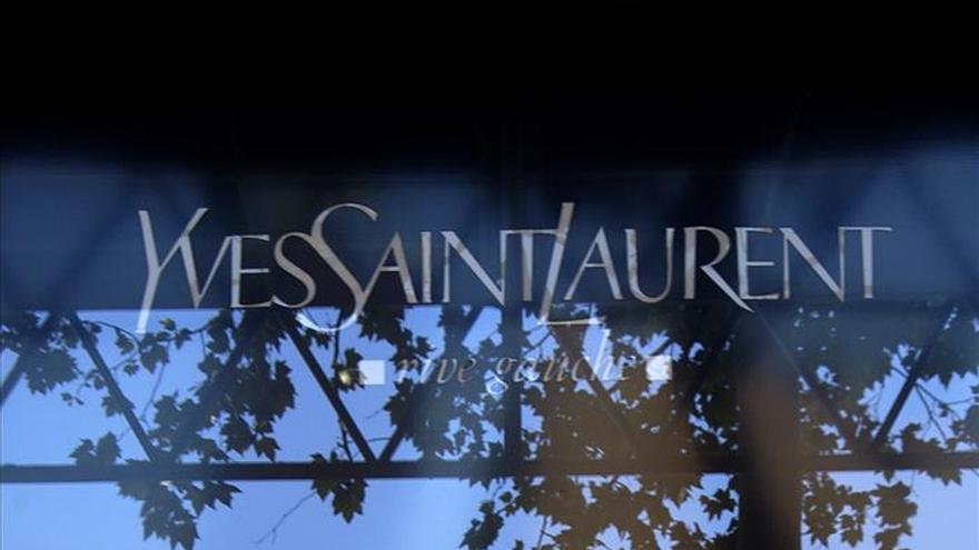 La Justicia europea da la razón a Yves Saint Laurent en la disputa por los bolsos con HM