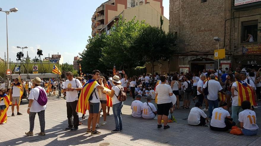 Miles de personas comienzan a llenar los tramos de las manifestaciones independentistas