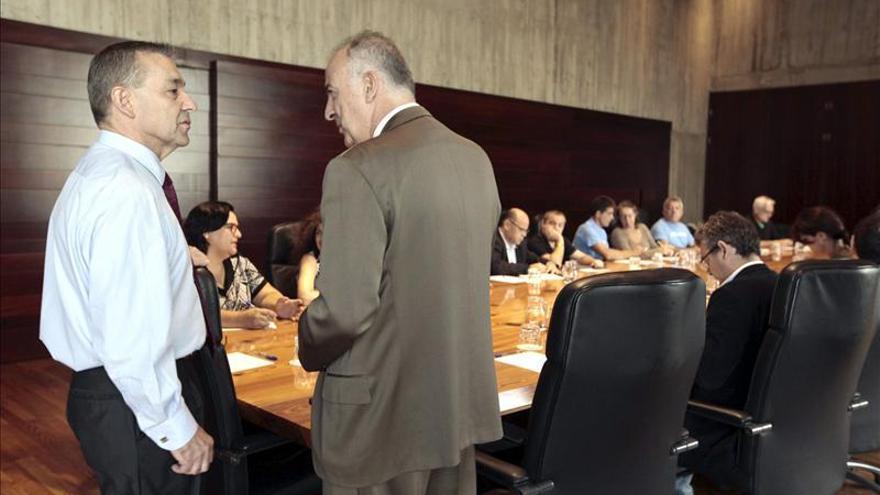 """Rivero compara el """"abuso"""" de las prospecciones con la conquista de Canarias"""