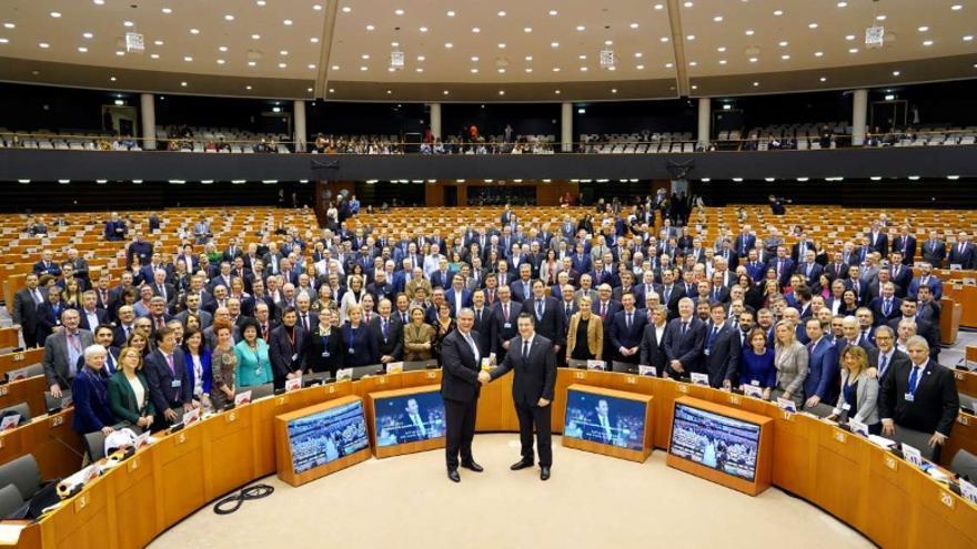 El presidente de la Junta de Extremadura, Guillermo Fernández Vara, ha sido designado hoy en Bruselas nuevo jefe de la delegación española en el Comité Europeo de las Regiones (CdR)