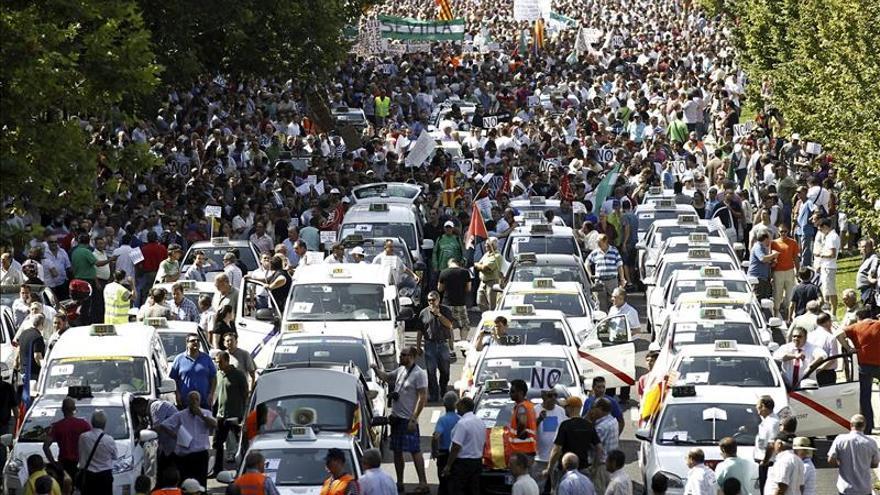 Imagen de archivo de una protesta de taxistas contra el intrusismo en Madrid.