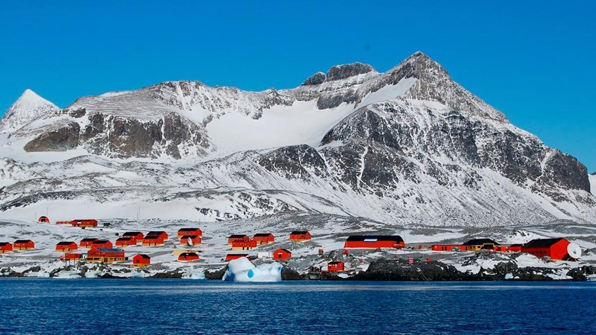 Fuerte sismo sacude la Antártida