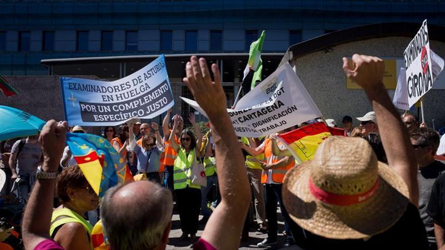 CSIF aplaza cuatro paros de examinadores y eleva a Hacienda sus demandas