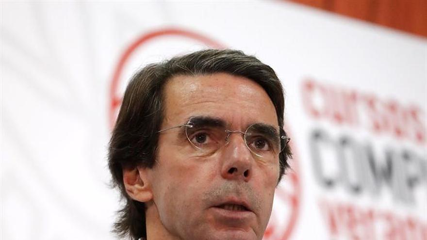 """Aznar dice que hay que dar a los independentistas el trato de """"golpistas"""""""