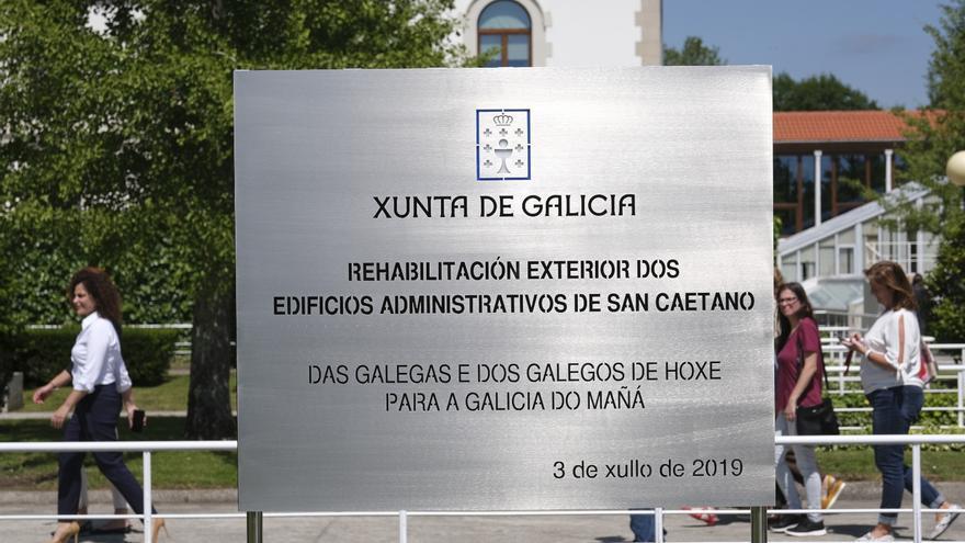 Placa inaugural de la reforma exterior de San Caetano