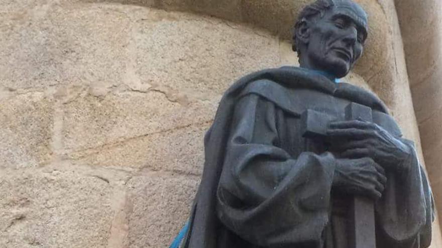 La imagen de San Pedro de Alcántara colgó durante varias horas un cuadro eléctrico.