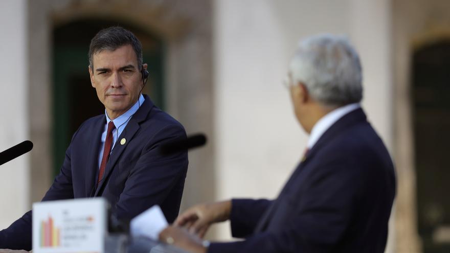 """Sánchez: el Gobierno no podía quedarse """"de brazos cruzados"""" en Madrid"""