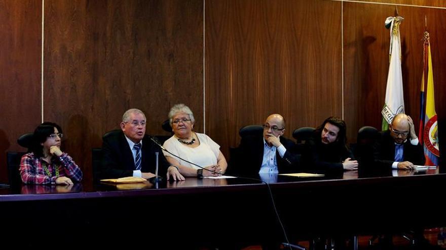 Los miembros de las FARC en el Congreso colombiano inscriben el movimiento Voces de Paz