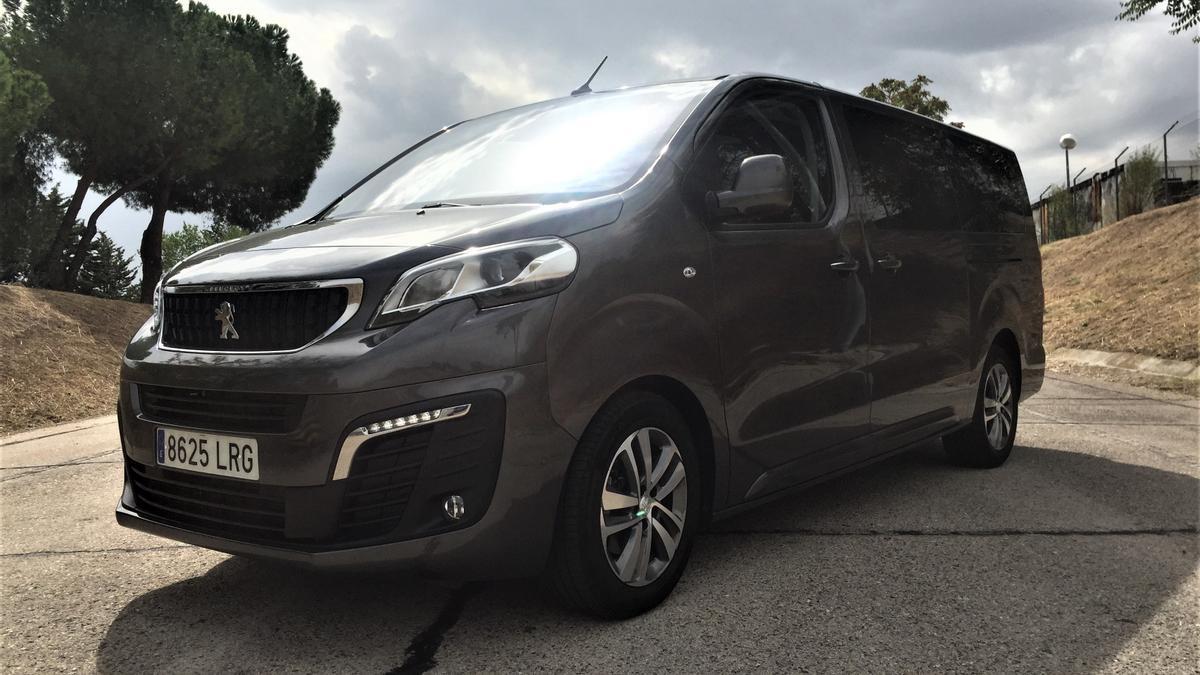 Peugeot Traveller Long.