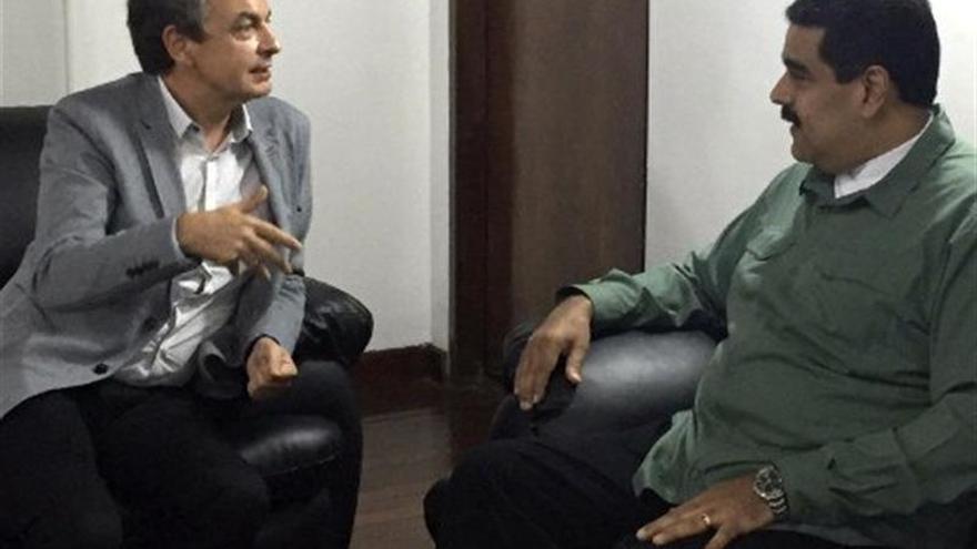 """Maduro dice que sostuvo una reunión """"muy fructífera"""" con Zapatero por el diálogo"""