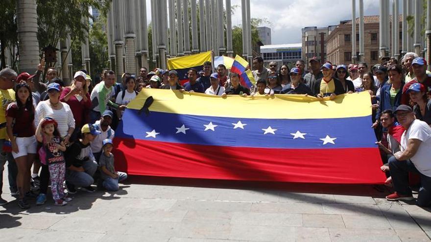 Venezolanos en Colombia salen a las calles para rechazar los comicios de su país