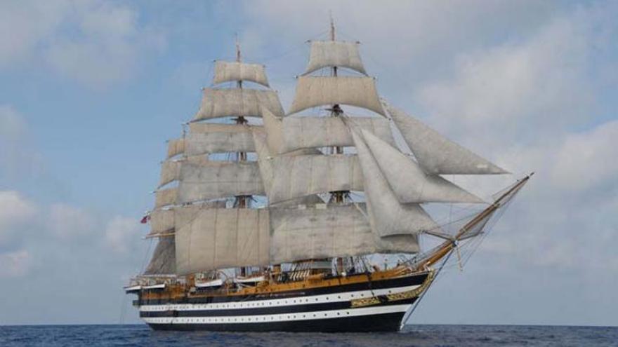 El velero Amerigo Vespucci que atracará en Cádiz