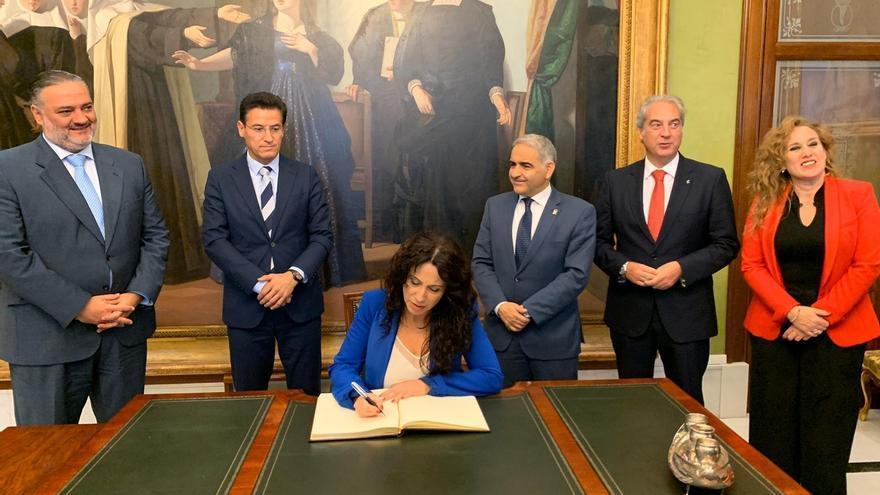 """Ruiz recuerda que Vox visitó el centro de los MENA en Sevilla y defiende que """"la convivencia es excepcional"""""""