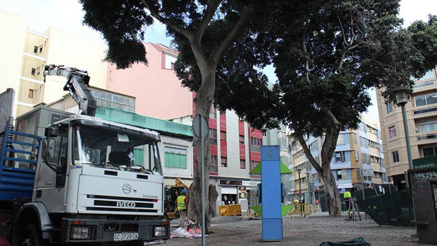 Obras de la plazoleta de Los Betancores, en el barrio de Guanarteme de Las Palmas de Gran Canaria. (Cirenia Vico).