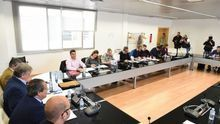 Los sindicatos no descartan movilizaciones por el recurso de Rajoy a las 35 horas
