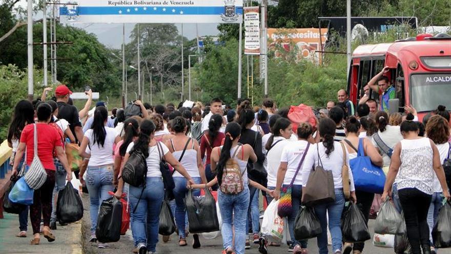 Venezuela abrirá la frontera con Colombia por este domingo