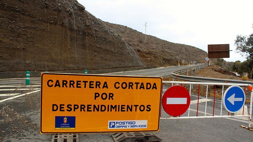 Carretera Del Pajar hacia Pasito Blanco cortada al tráfico.