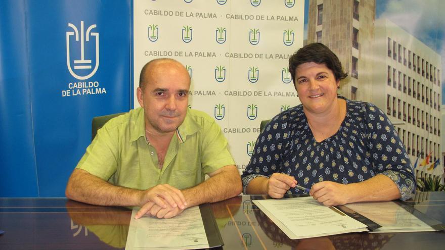 José Carlos Martín, presidente de la Federación Canaria de Ajedrez, y Ascensión Rodríguez, consejera de Juventud y Deportes del Cabildo de La Palma.