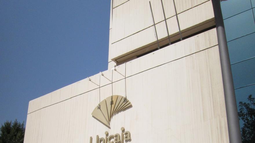 Unicaja Banco gana 40,4 millones de euros hasta junio, un 54% menos
