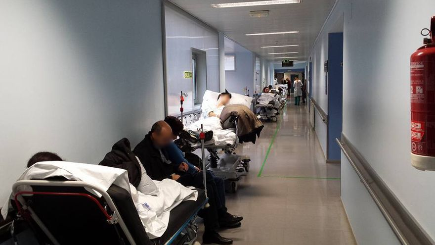 Los pacientes tuvieron que esperar durante horas a ser atendidos.   Luis A. García Gómez