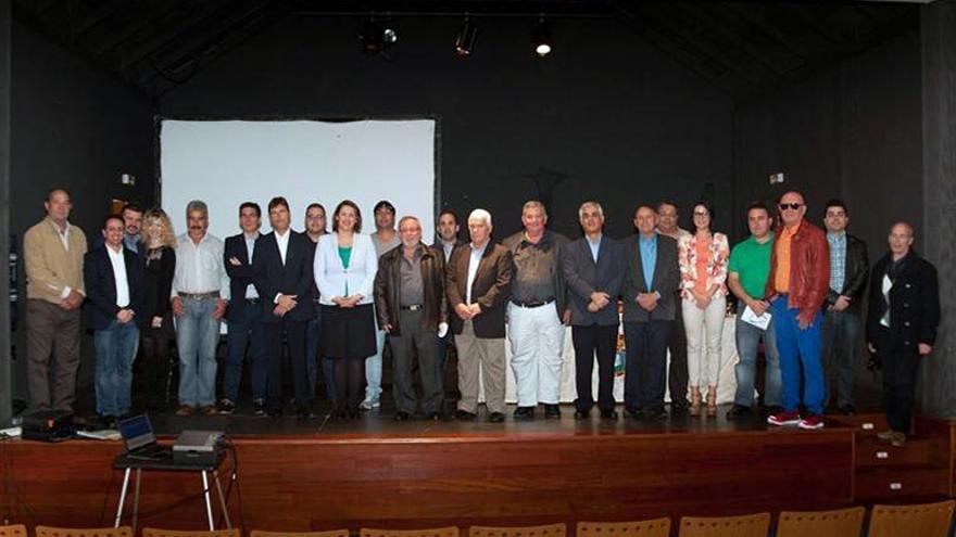 Foto de familia del colectivo de jueces de paz durante la asamblea celebrada en La Gomera.