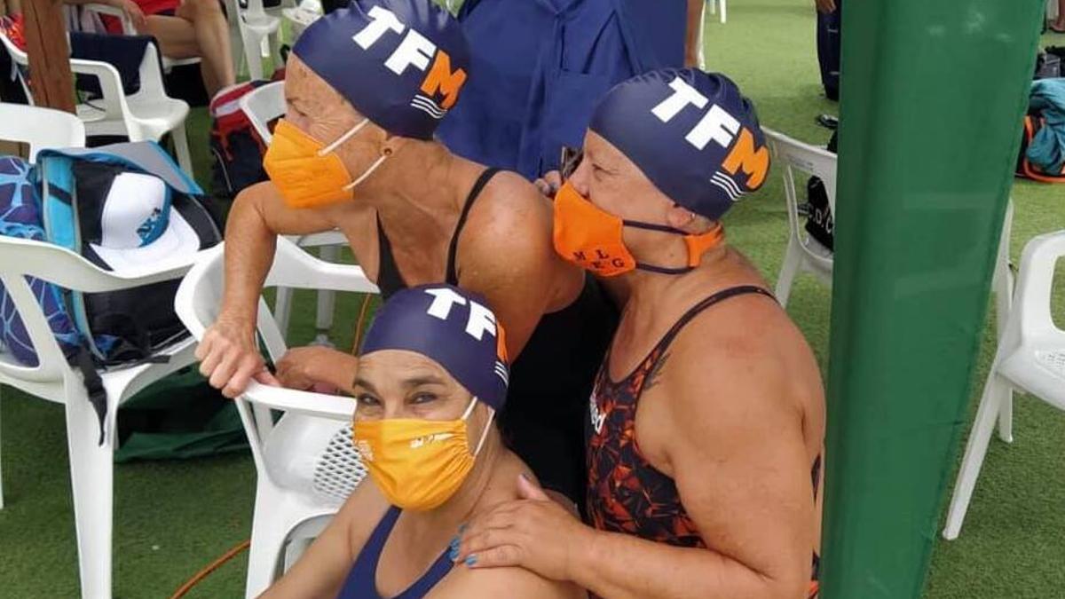 Integrantes del Tenerife Masters durante el campeonato.