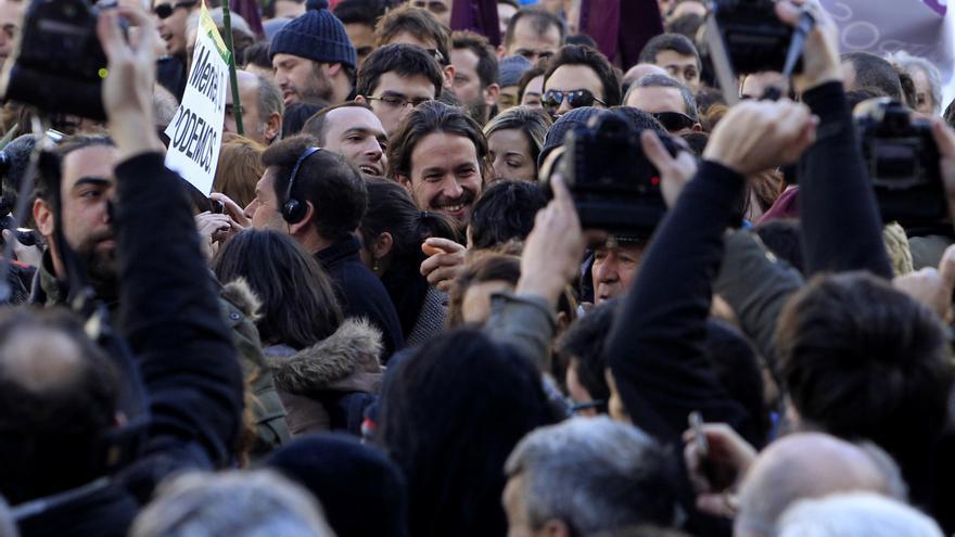 Pablo Iglesias entre la multitud del 31-E \ Marta Jara