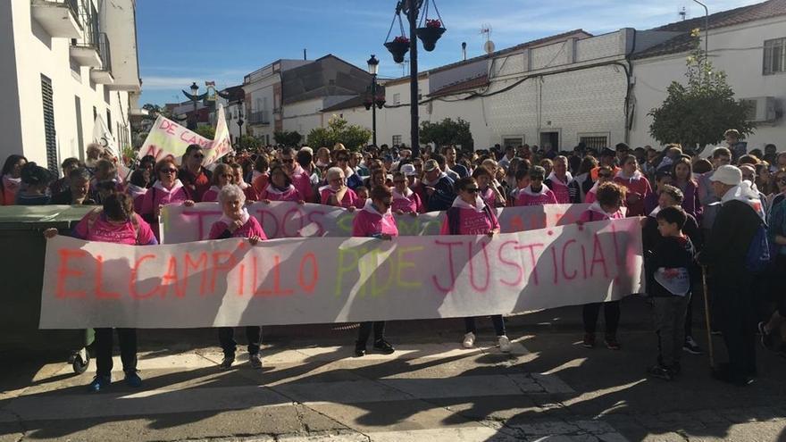 Más de 2.000 personas participan en la marcha desde Nerva a El Campillo en honor a Laura Luelmo
