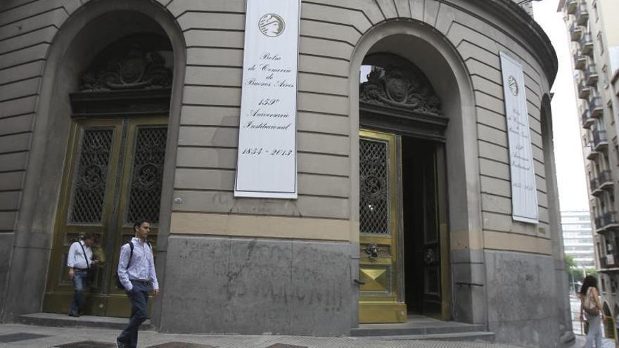 El dólar paralelo retoma senda alcista pese a nueva medida de Gobierno argentino